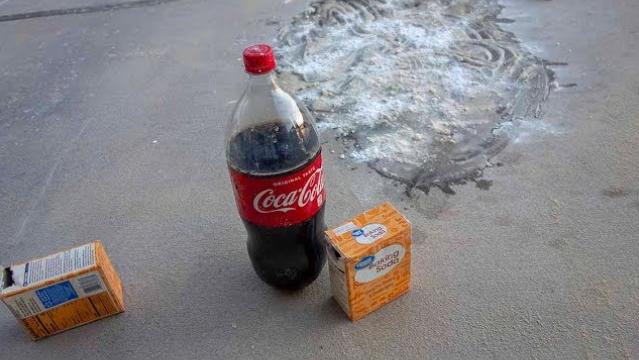 coca cola remove stains
